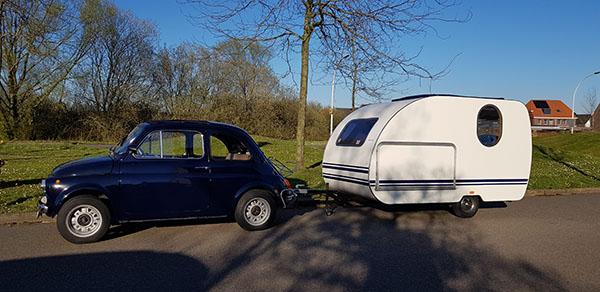 Een kijkje in de caravan van Simon en Ilse